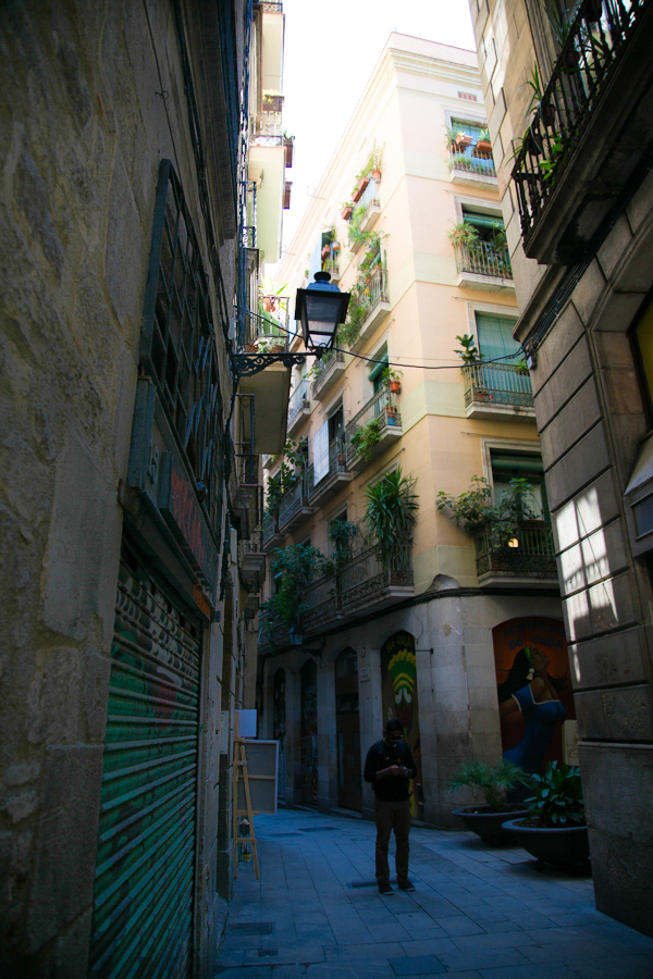 excuse-my-blog-a-peek-in-the-gothic-quarter-24